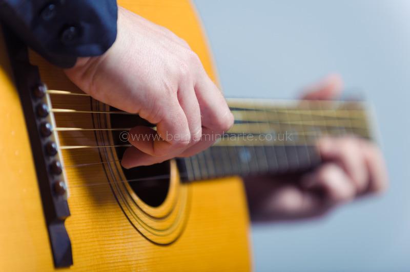 Classical-guitarist-©www.benjaminharte.co.uk-60