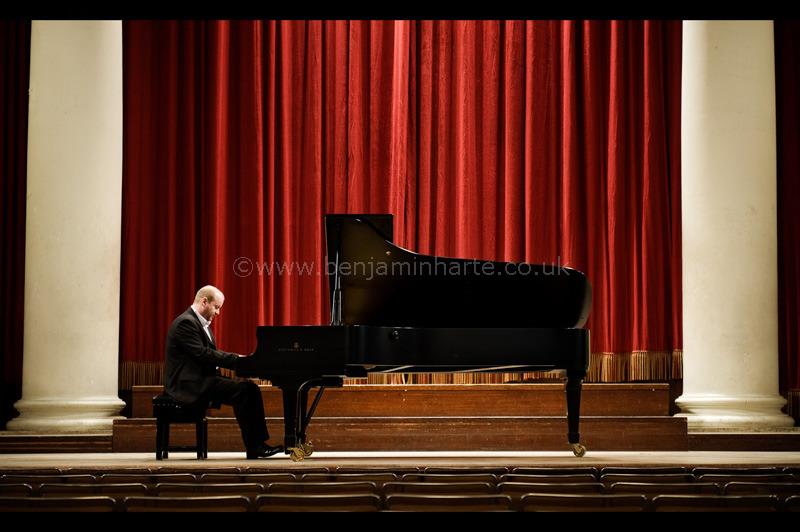 Portrait-of-pianist-Dan-Tong-©www.benjaminharte.co.uk-7