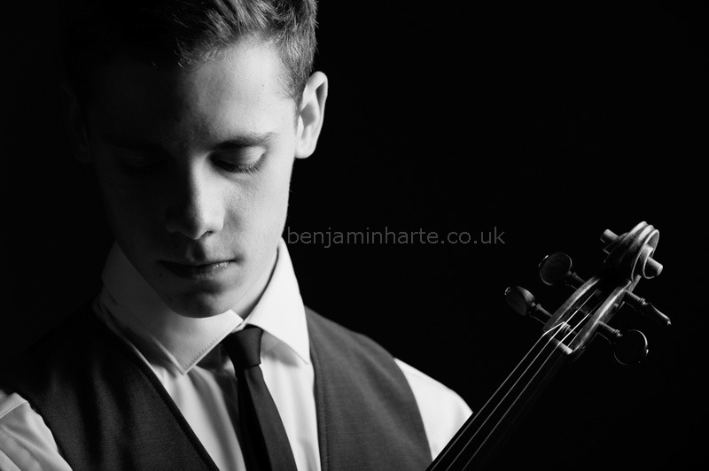 Portrait-of-violinist-Callum-Smart-©www.benjaminharte.co.uk-1