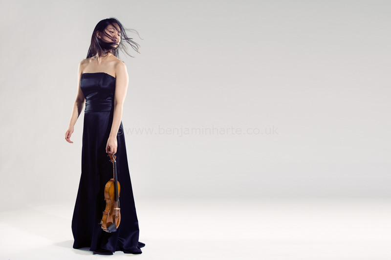 Portrait-of-violinist-Joo-Yeun-Sir-©www.benjaminharte.co.uk-18