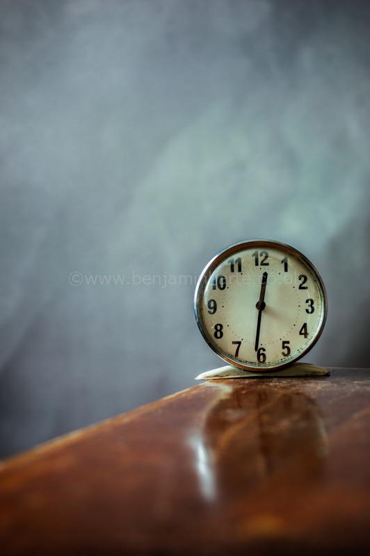 vintage-alarm-clock-©benjaminharte