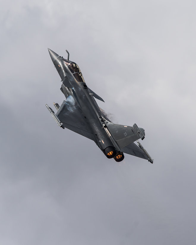 Rafale Going Vertical