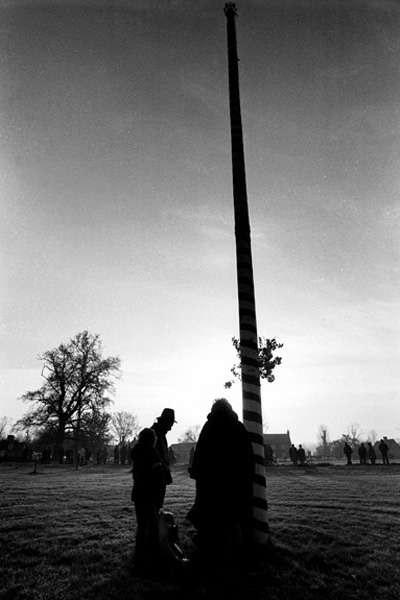 Ickwell Maypole