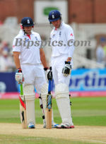 Broad & Bresnan inspect the pitch
