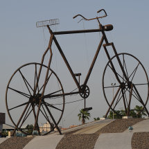 JE2 4023 BicycleMonument Jeddah