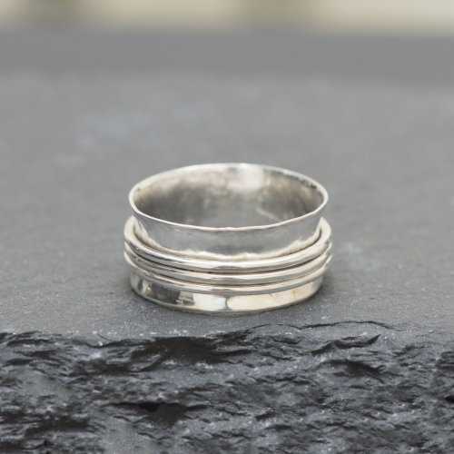 Hammered Spinner Ring £39