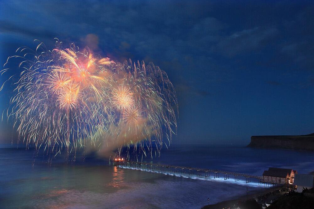 nw 80 Pier Fireworks 2