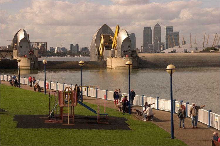 200001 - Thames Barrier 01