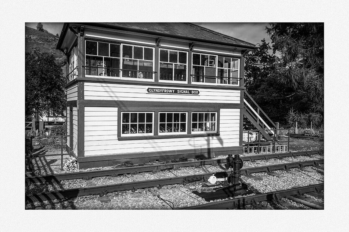 285001 - Glyngyfrdwy Signal Box