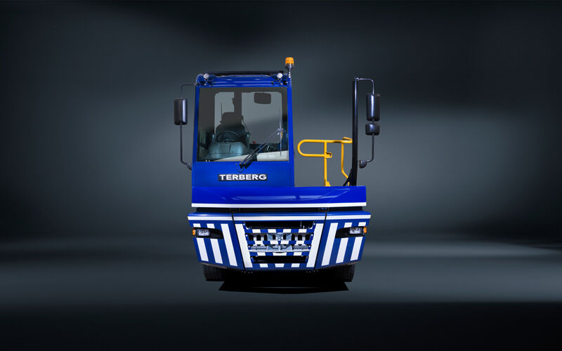 terberg, truck in studio, truck photography, vehicle photography, truck, truck photographer, ambientlife, tim wallace