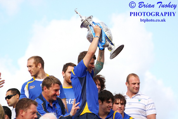 Lee Briers holds the cup aloft