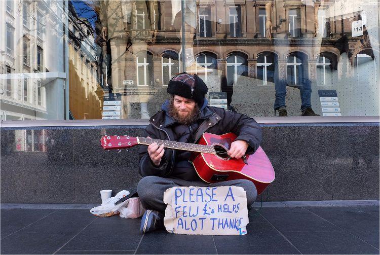 A Few £ helps alot