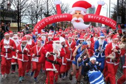 Liverpool Santa Dash start
