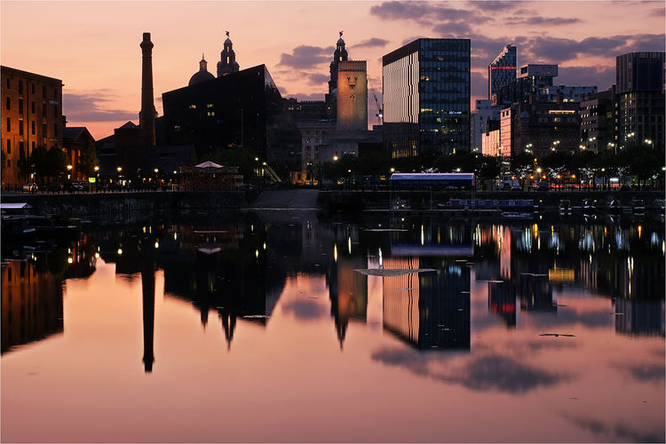 Summers evening at Salthouse Dock