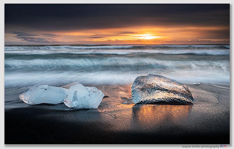 Ice Beach Sunrise 3n   W5D42297
