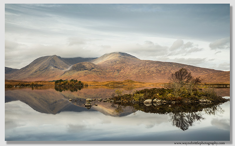 Loch-na'-h 'Achlaise on a calm Autumn morning
