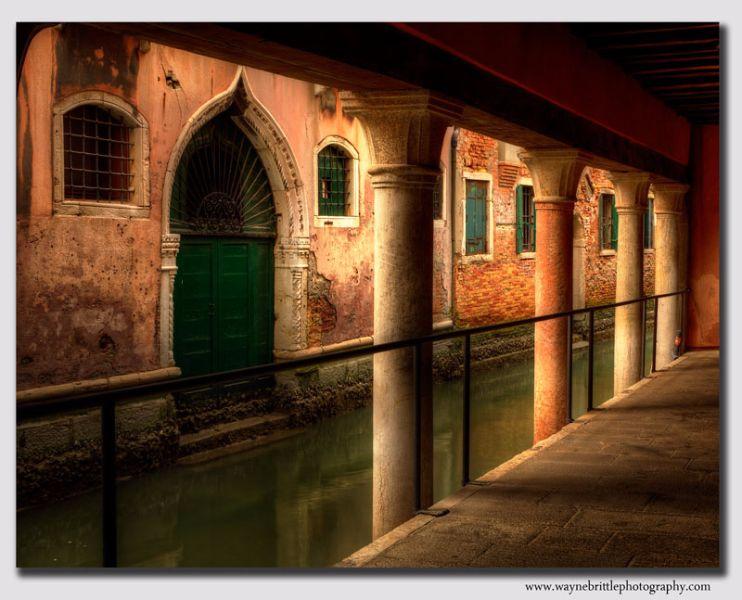 Pillars-&-Light-3----Venice---W5D31056