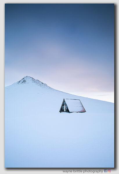 Refuge-Hut - Snaellfenes Peninsular  -  2  -  W5D42004