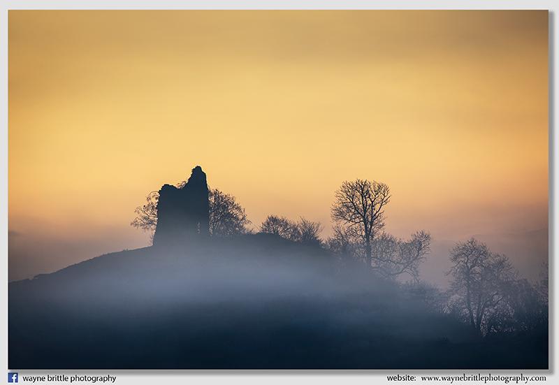 Tutbury Castle, mist and light