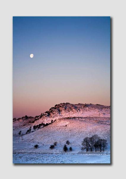 Winter light over the Roaches 2 - SS5766