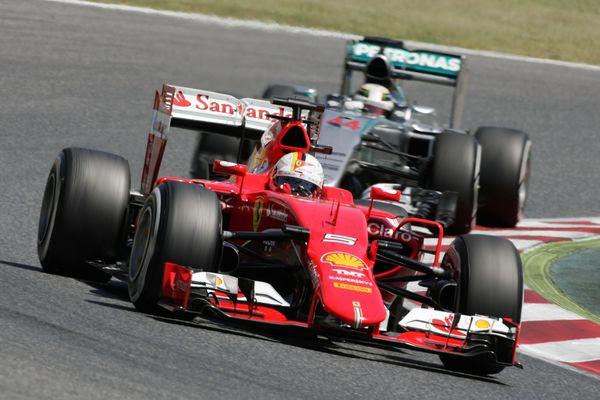 Vettwel leads Hamilton, Spanish GP