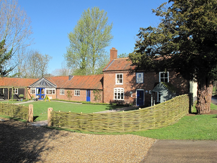 Burnham Willow  Fencing at the Walpole Arms Itteringham