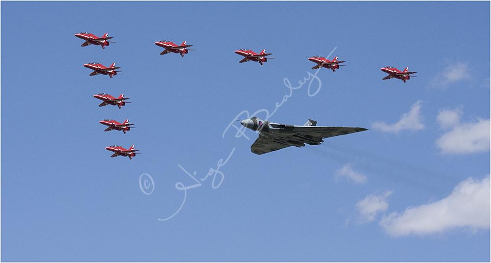 Red Arrows & The Vulcan Farewell