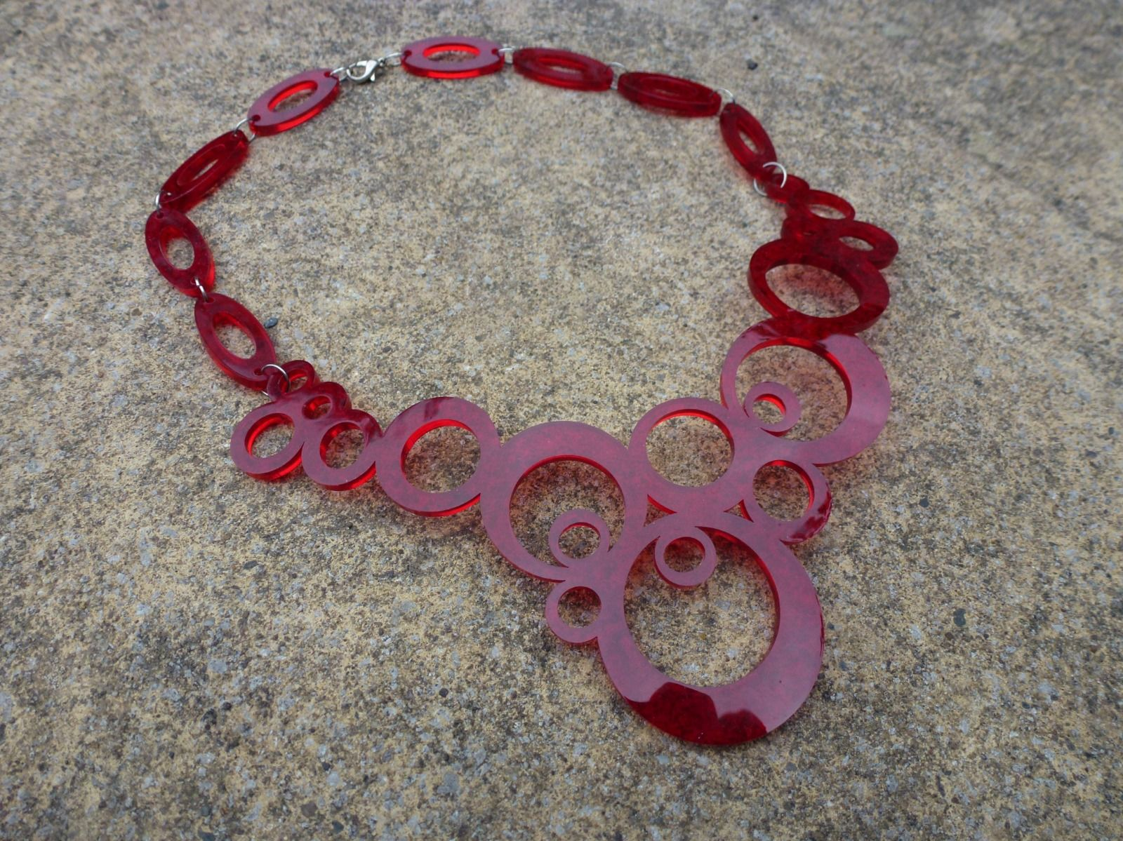 red statement 1960's inspired necklace