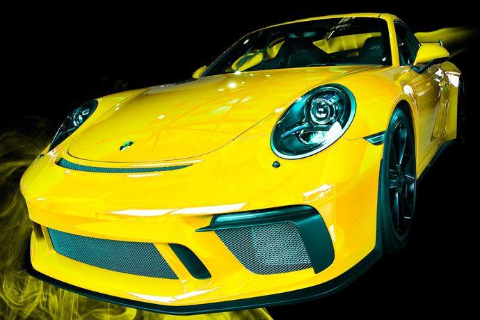 911 GT3 yellow