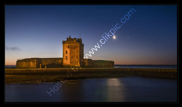 Venus, Moon and Jupiter Align, Broughty Ferry Castle.