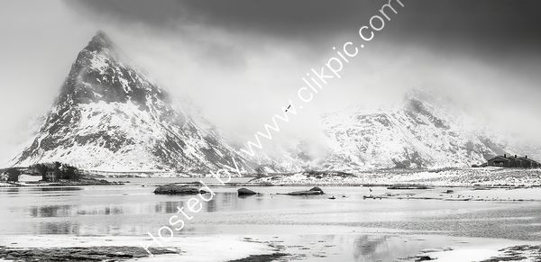 Life on The Edge - Lofoten