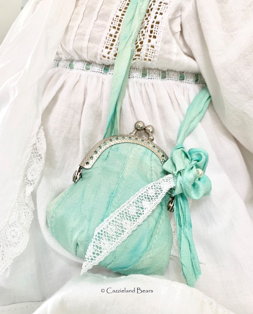 07/09/2019   Fenella's Silk bag