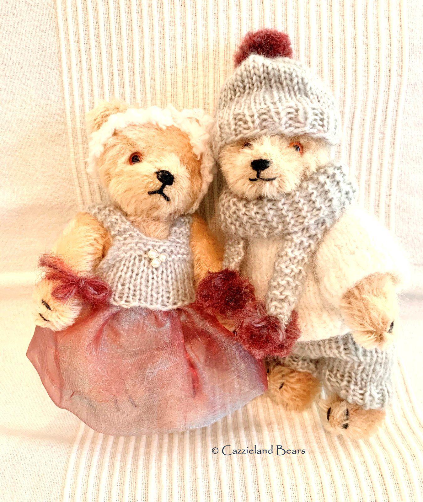 """Holly and Huggy  1940's 7"""" Steiff bears"""