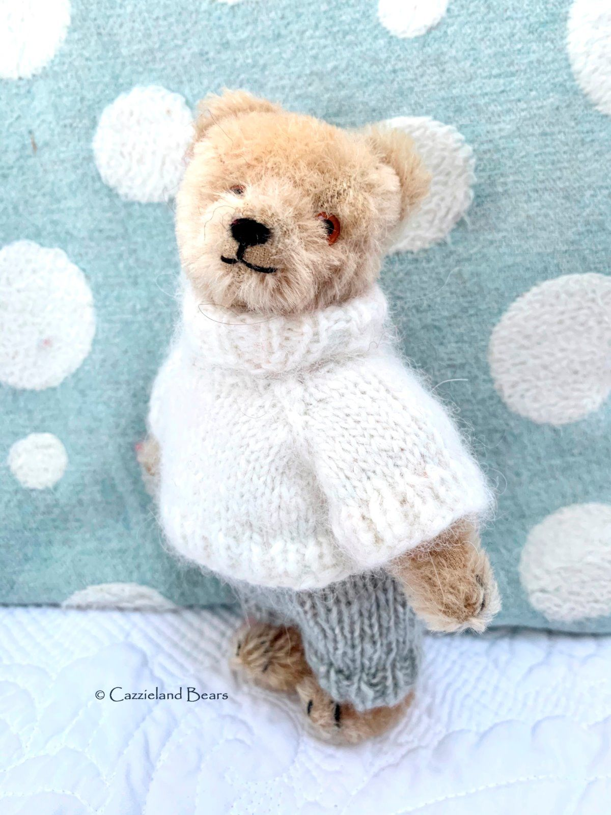 Huggy's alpaca jumper and trousers