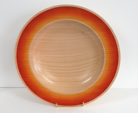 Coloured rim macrocarpa