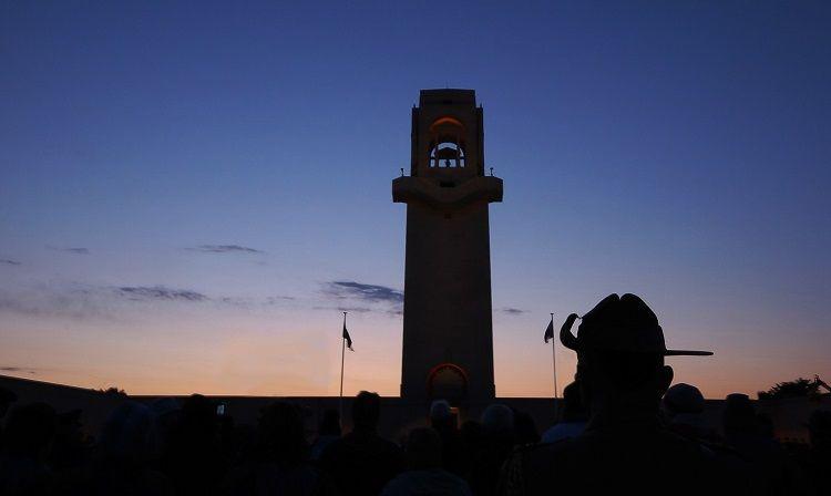 ANZAC Day. Dawn Ceremony. Australian national Memorial, Villers Bretonneaux. FR. NR20-1