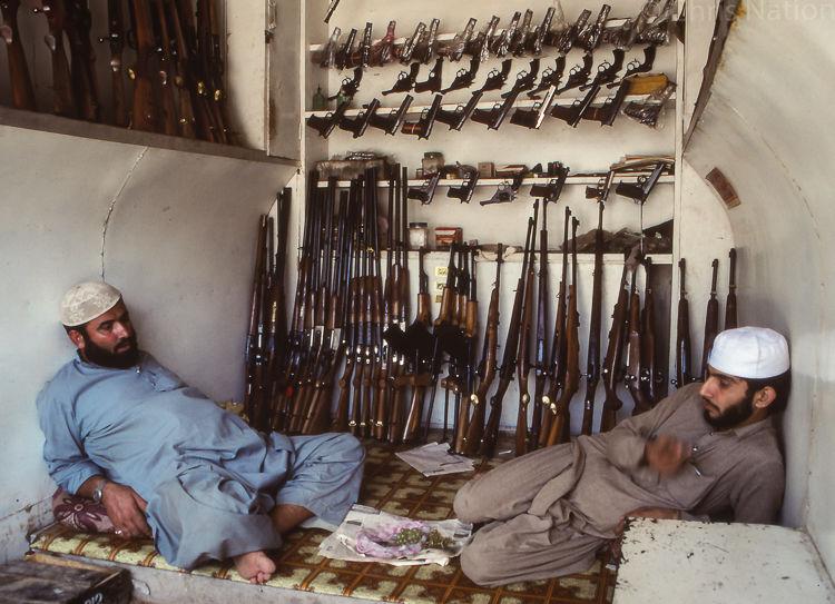 Arms dealers 1. Darra. Tribal Territories. NWFP. PAK.NR20