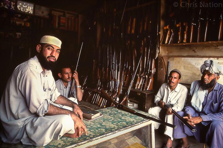 Arms dealers 2. Darra. Tribal Territories. NWFP. PAK.NR20