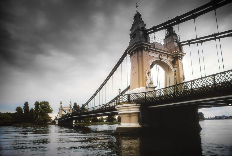 Hammersmith Bridge. London. ENG. NR20