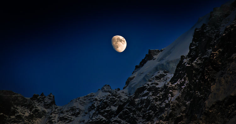 Moonrise. Chamonix valley-145. NR25