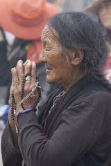 Pilgrim praying Jokhang Temple