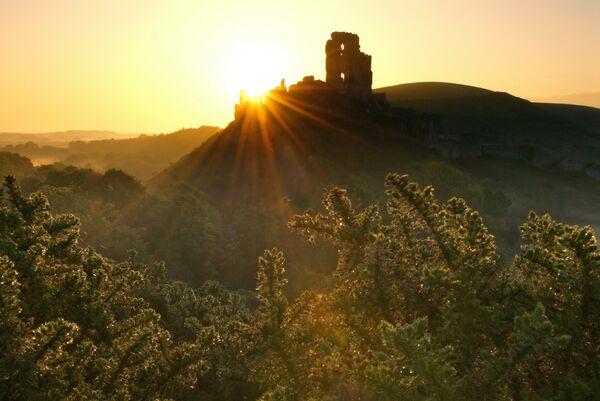 Corfe castle sunrise Dorset