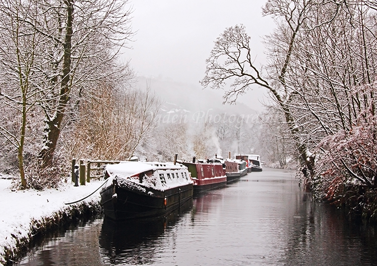 Winter on the Rochdale Canal
