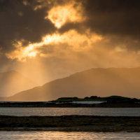 Broadford bay sun rays