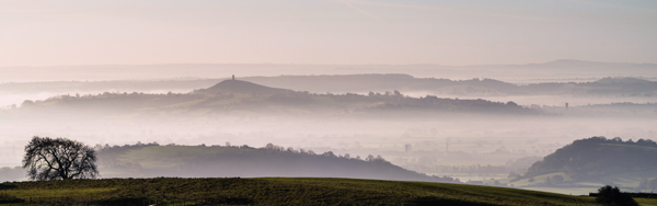 Glastonbury Tor, misty sunrise