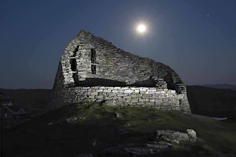 Carloway broch moonrise 500067-68