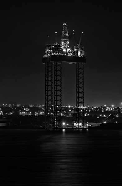Dundee Rig0030b&w