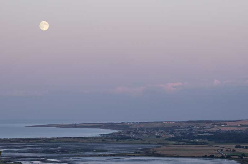 Moonrise over St Andrews0030