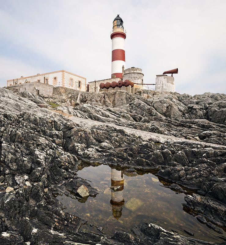 Scalpay lighthouse reflection 500052-56