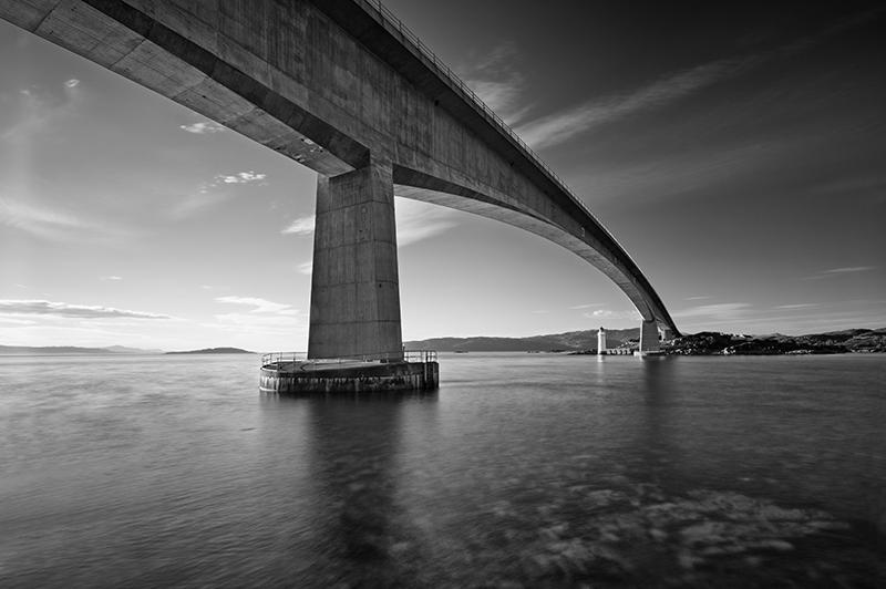 Skye bridge 500021-22b&w